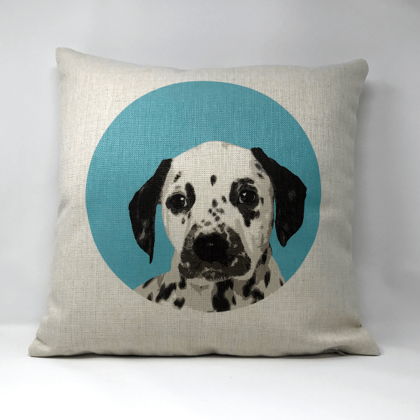 canvas cushion with dog portrait in a circle